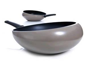 Boomerang Wok:   door Nikolai Carels Product Design