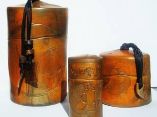 boîtes céramique sigillées: Maison de style  par  nadine lebas TERRA SIG