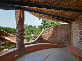Brick House, Wada iSTUDIO Architecture Tropical style houses