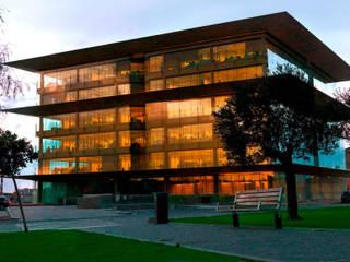 Abertis Headquarters:  de estilo  de Ricardo Bofill Taller de Arquitectura