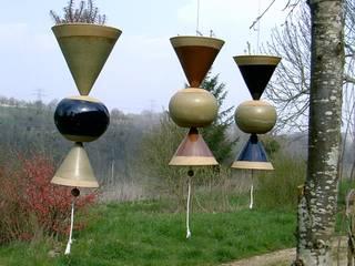 Suspension florale/cloche:  de style  par POTERIE DE COURTIRAN