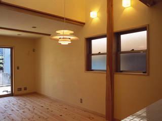 桶川の家: 八島建築設計室が手掛けたリビングです。