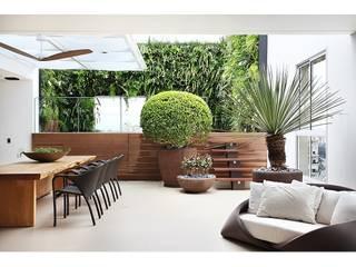 Projetos Marcelo Bellotto Paisagismo Conceitual Varandas, alpendres e terraços minimalistas