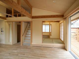さいたまの家 ⅩⅡ: 八島建築設計室が手掛けたリビングです。