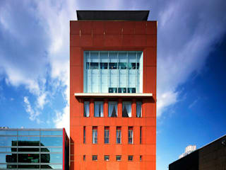 Shiseido Building:  de estilo  de Ricardo Bofill Taller de Arquitectura