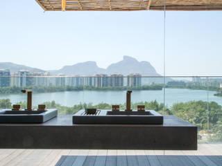 Terrasse de style  par Gisele Taranto Arquitetura,
