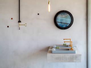 Casas de banho modernas por Gisele Taranto Arquitetura Moderno