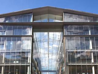 BNP Paribas:  de estilo  de Ricardo Bofill Taller de Arquitectura
