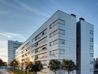 El Gornal Housing:  de estilo  de Ricardo Bofill Taller de Arquitectura