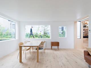 غرفة السفرة تنفيذ hiroshi kuno + associates, تبسيطي