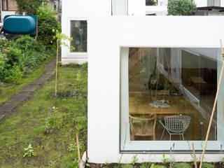 hiroshi kuno + associates Casas de estilo minimalista