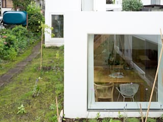 hiroshi kuno + associates Minimalist house