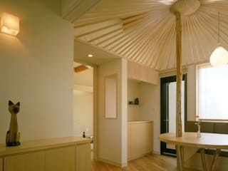 傘の家 モダンデザインの 多目的室 の 牧野建築計画 モダン