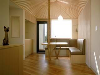 玄関ホール3: 牧野建築計画が手掛けた和室です。