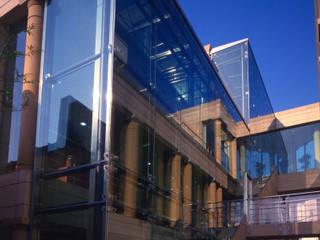 World Tokyo:  de estilo  de Ricardo Bofill Taller de Arquitectura