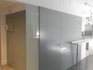 OFFICE Casas de estilo moderno de Rein / Martínez, ARQUITECTOS Moderno