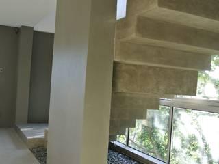 MV house Modern corridor, hallway & stairs by 8 x 8 Design Studio Modern