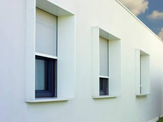 Minimalist house by Arch. Stefano Tonellotto Minimalist