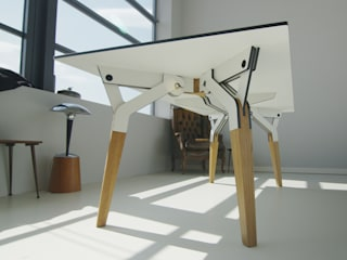 The Kataba table: modern  door PeLiDesign, Modern