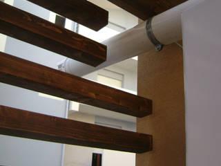Balcones y terrazas modernos: Ideas, imágenes y decoración de FZArch Moderno