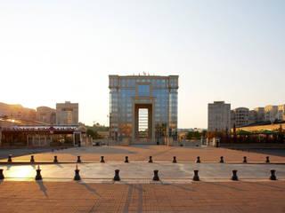Hotel de la Region:  de estilo  de Ricardo Bofill Taller de Arquitectura