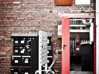 Escuelas de estilo  por SzturArchitekten GmbH, Industrial