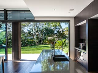 Godden Cres Modern kitchen by Dorrington Atcheson Architects Modern