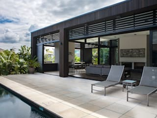 Godden Cres Modern balcony, veranda & terrace by Dorrington Atcheson Architects Modern