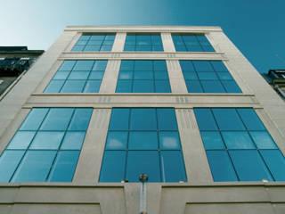 Parfums Rochas Headquarters:  de estilo  de Ricardo Bofill Taller de Arquitectura