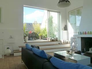 Appartement FCB:  de style  par BONORA ARCHITECTES