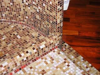 Particolare sala da bagno:  in stile  di Gianni Maria Giaccone