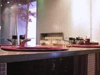 Particolare bagno:  in stile  di Gianni Maria Giaccone