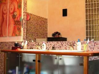 Sala da bagno - particolare -:  in stile  di Gianni Maria Giaccone