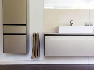 Gesamtkonzept WM: moderne Häuser von krumhuber.design