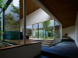 House in Higashimurayama Livings de estilo moderno de 石井秀樹建築設計事務所 Moderno
