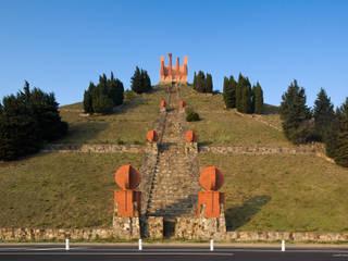 The Pyramid:  de estilo  de Ricardo Bofill Taller de Arquitectura