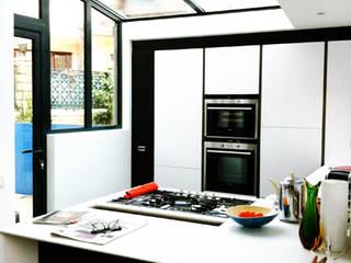 Maison AK Maisons modernes par Cittadini des Déserts Moderne