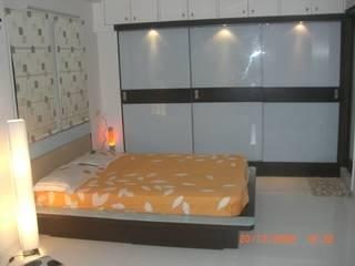 Salas / recibidores de estilo  por SUSOBHITA, Moderno