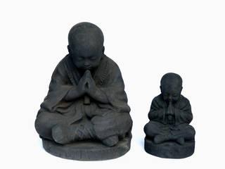 statue enfant moine:  de style  par PM Co. Style