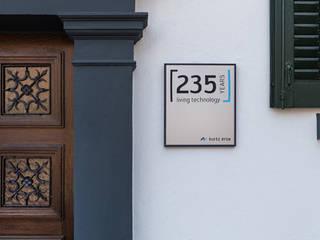 Herrenhaus / Kurtz Holding GmbH & Co. Beteiligungs KG Ladenflächen von Tom Bauer AD Photography