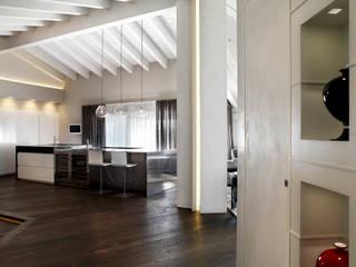 Studio d'Architettura MIRKO VARISCHI Modern Koridor, Hol & Merdivenler