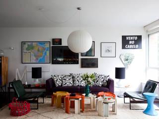 Mauricio Arruda Design: eklektik tarz tarz Oturma Odası