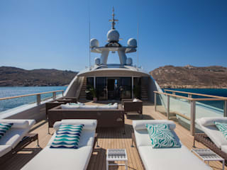 Iates e jatos  por CRN SPA - YACHT YOUR WAY- , Mediterrânico