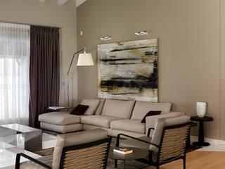 Salas de estar modernas por Studio d'Architettura MIRKO VARISCHI Moderno