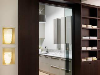 Nhà bếp phong cách hiện đại bởi Studio d'Architettura MIRKO VARISCHI Hiện đại