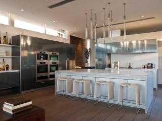 Casas  por McClean Design, Moderno
