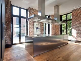 Innen-Und Aussenaufnahmen einer Villa im Privatgebrauch SONJA SPECK FOTOGRAFIE Moderne Küchen