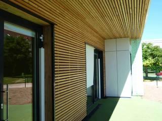 Crèche 40 Berceaux par DDB ARCHITECTURE Moderne