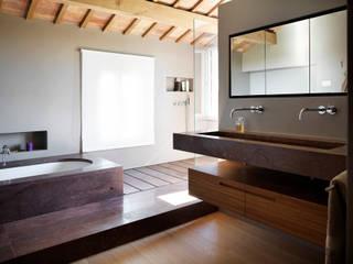 PRIVATE HOUSE – CST – 2013 BARTOLETTI CICOGNANI Baños de estilo moderno