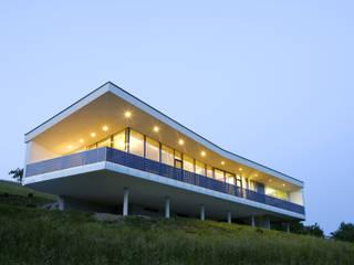 Südwestseite: moderne Häuser von Kaltenegger und Partner Architekten ZT GmbH